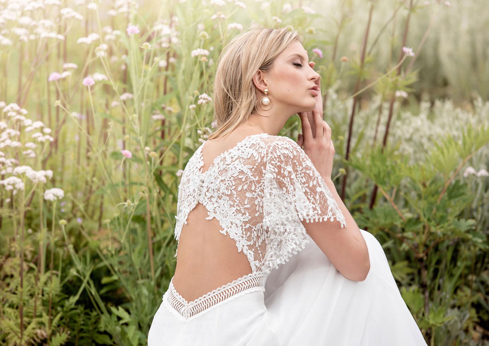 Brautkleid_Sommer_schlicht-Hochzeitskleider_Spitze_und_schlicht