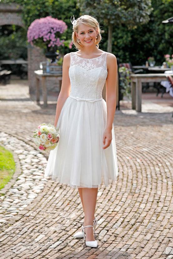 Kurze Brautkleider   Erlaubt ist, was der Braut gefällt!
