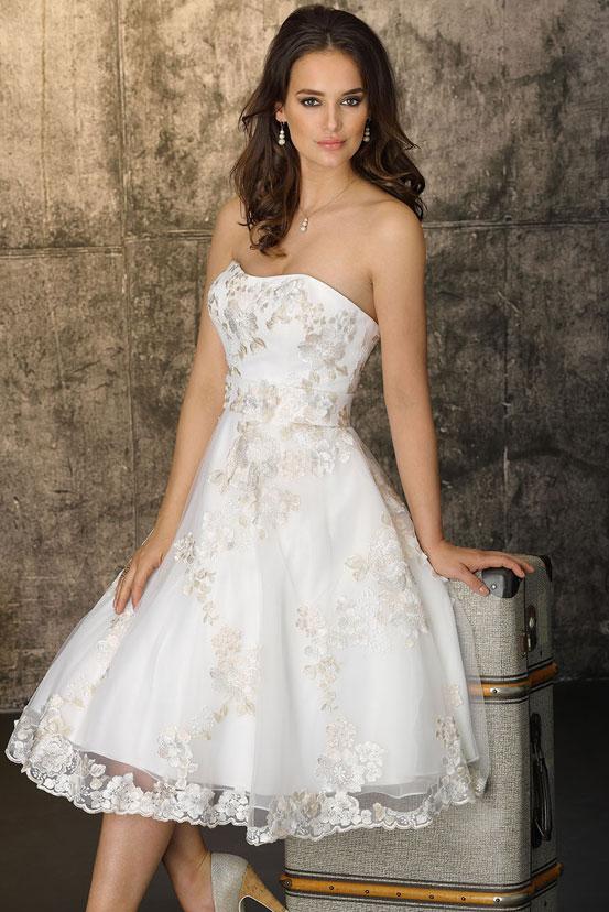 Schlicht brautkleid kurz Brautkleider schlicht